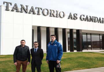 Lezkano y Leo Demetrio en la rueda de prensa celebrada en Tanatorio As Gandaras