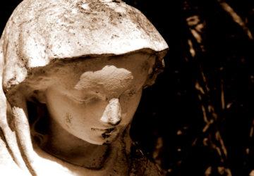Dicen que una estatua sangra 1920