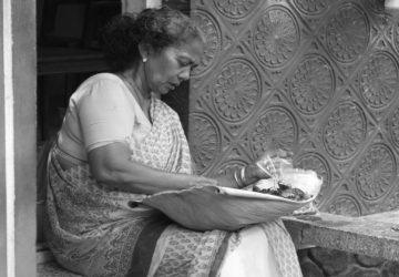 Rituales y costumbres en el mundo que denigran a las viudas 1920